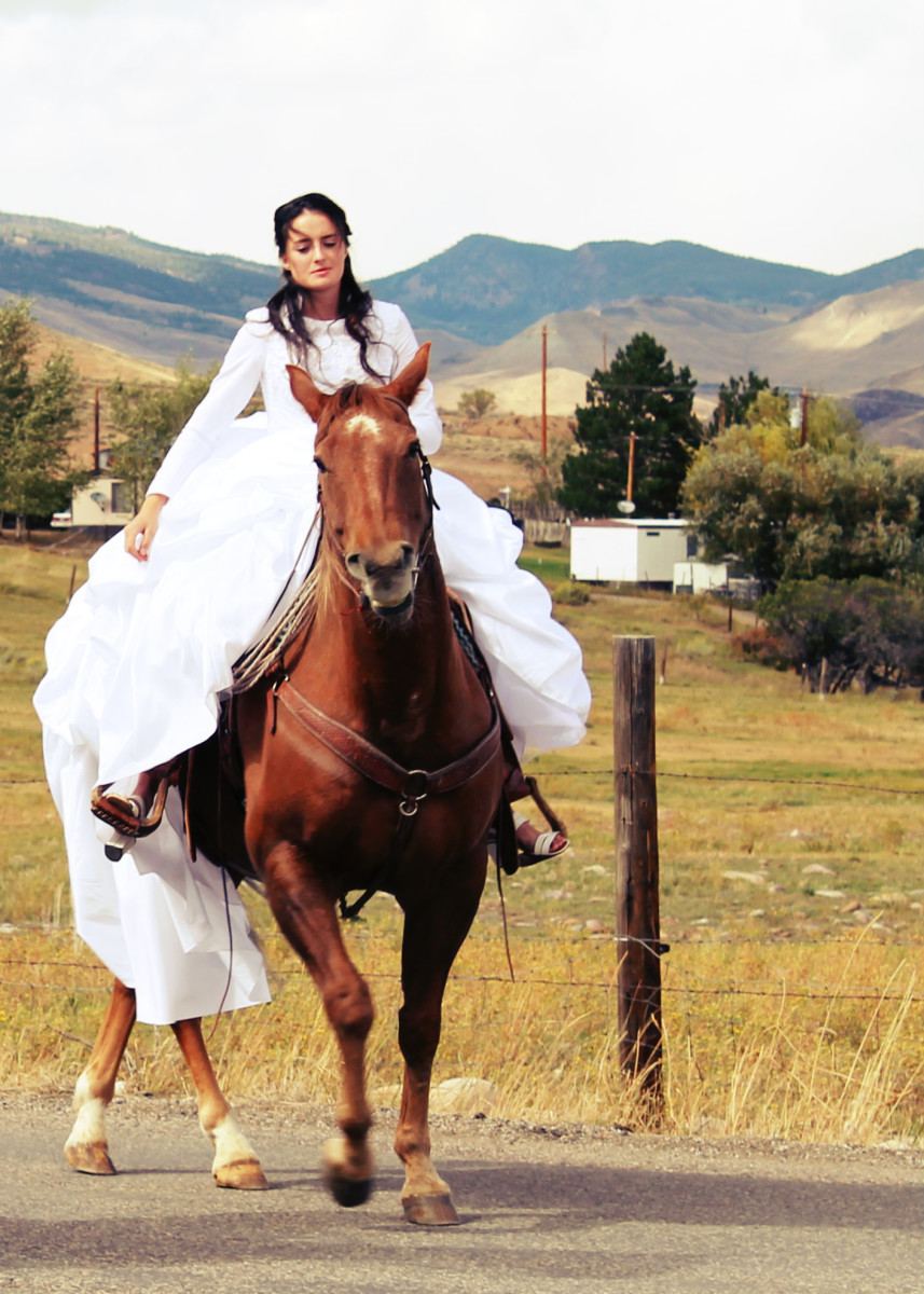 Western Wedding Photos on CowgirlDiary.com